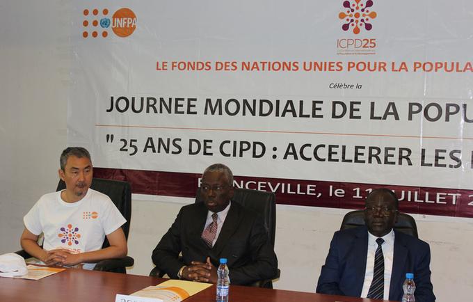 Officiels lors de la célébration de la journée mondiale de la population 2019 à Franceville au Gabon